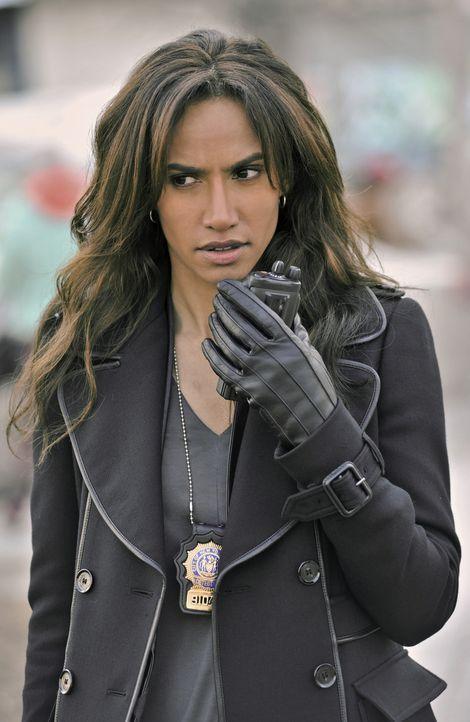 Nachdem ein Attentat auf die Bürgermeisterin verübt wurde, findet Tess (Nina Lisandrello) bald heraus, dass jemand anders das eigentlich Ziel des Sc... - Bildquelle: 2012 The CW Network, LLC. All rights reserved.