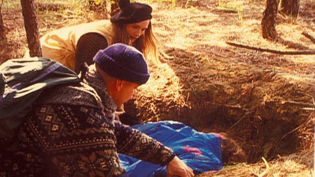 Als ab Sommer 1990 rund um Wien acht Frauenleichen gefunden werden, ist die ö...