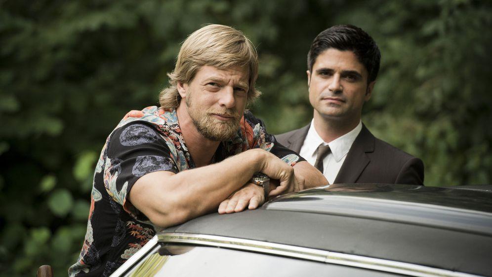 (4. Staffel) - Gehen wieder gemeinsam auf Mörderjagd: Mick Brisgau (Henning ... - Bildquelle: Martin Rottenkolber SAT. 1