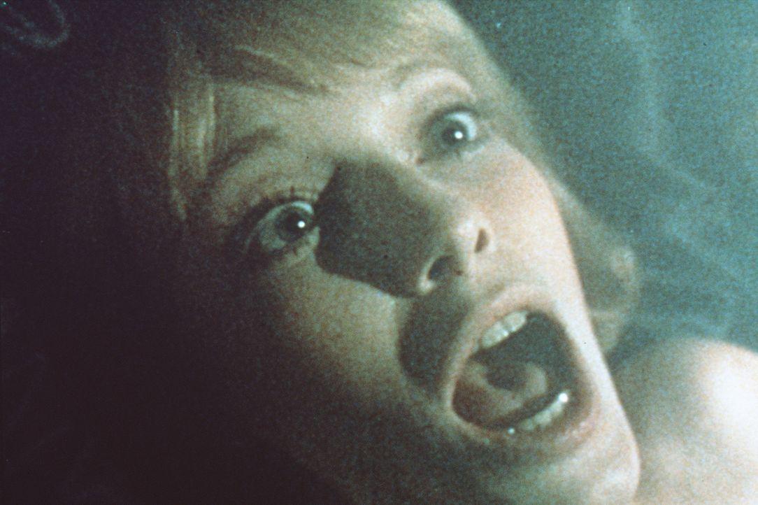 In der Nacht hat Rosemary (Mia Farrow) einen entsetzlichen Alptraum mit dämonischen Wesen und durchlebt eine Vereinigung mit dem Satan ... - Bildquelle: Paramount Pictures