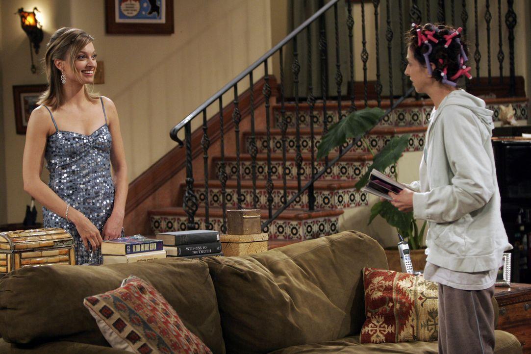 Camille (Nicole Forester, l.) und Judith (Marin Hinkle, r.) treffen aufeinander ... - Bildquelle: Warner Brothers Entertainment Inc.