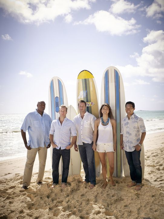 (5. Staffel) - Kämpfen gegen das organisierte Verbrechen auf den sonnenverwöhnten Stränden von Hawaii: Steve McGarrett (Alex O'Loughlin, M.), Danny... - Bildquelle: Art Schreiber 2014 CBS Broadcasting Inc. All Rights Reserved.