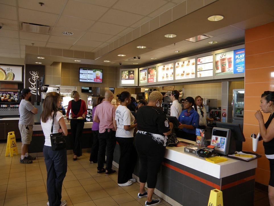 Mc Donalds ist die umsatzstärkste Schnellrestaurant-Kette weltweit: in 100 Ländern gibt es inzwischen über 32.000 Restaurants. Nur auf den ersten... - Bildquelle: kabel eins