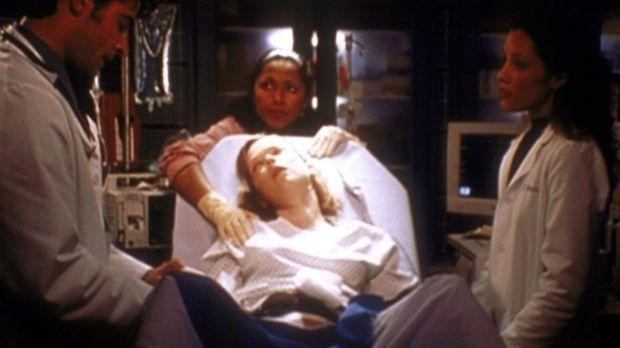 Kovac (Goran Visnjic, l.) und Hathaway (Julianna Margulies, r.) kümmern sich...