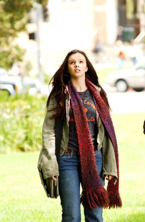 Als eines Tages Gott zu Joan (Amber Tamblyn) spricht, glaubt sie, sie sein verrückt ... - Bildquelle: Sony Pictures Television