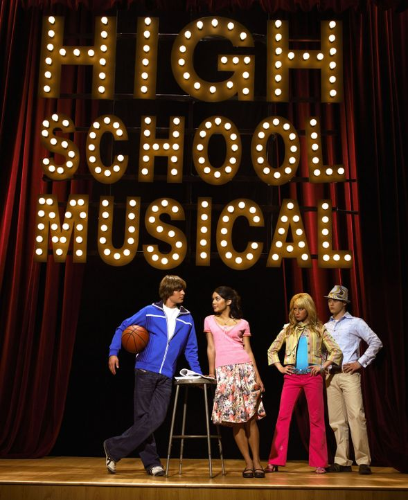 High School Musical mit (v.l.n.r.) Zac Efron, Vanessa Anne Hudgens, Ashley Tisdale und Lucas Grabeel ? - Bildquelle: The Disney Channel