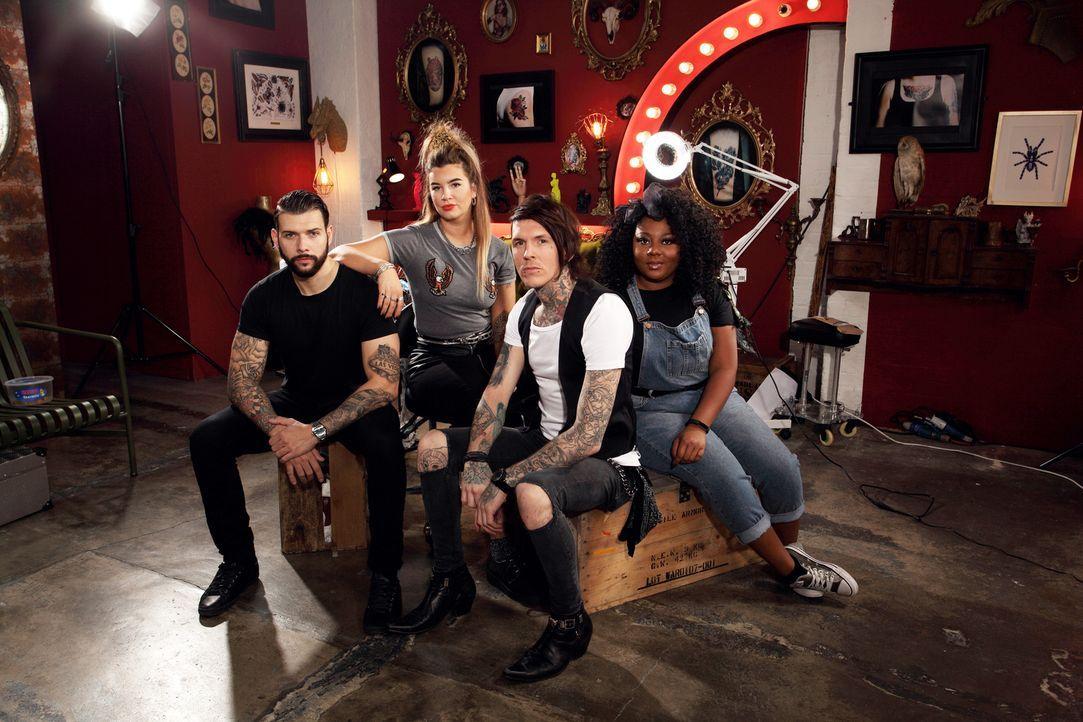 (3. Staffel) - In ihr Tattoo Studio kommen einige Menschen mit seltsamen und vor allem hässlichen Tattoos: (v.l.n.r.) Jay, Alice, Sketch und Paisley... - Bildquelle: Studio Lambert & all3media International
