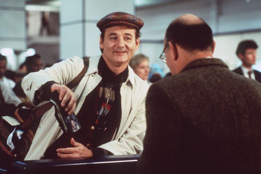 Unwissentlich versetzt der trottelige Wallace (Bill Murray, l.) London in Angst und Schrecken. Er wähnt sich in einem Theaterstück mit aktiver Ges... - Bildquelle: Warner Bros.