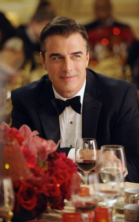 Amüsiert sich bei einer Spendengala: Peter Florrick (Chris Noth) - Bildquelle: CBS Broadcasting Inc. All Rights Reserved
