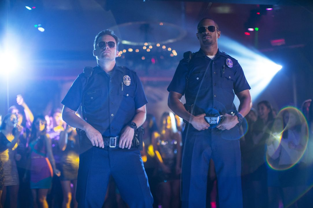 Lets-be-Cops-08-2014Twentieth-Century-Fox
