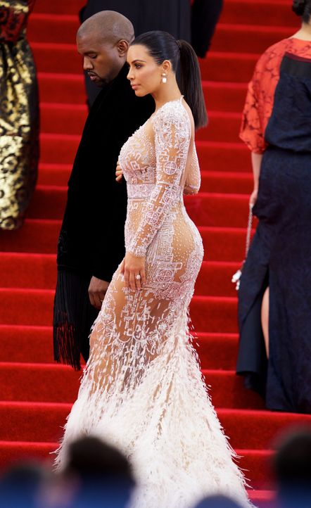 Met Gala 2015: Kim Kardashian - Bildquelle: Alberto Reyes/WENN.com