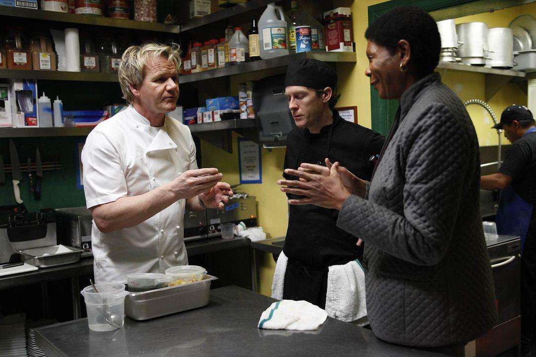 Sind die Besitzer des Kingston Cafés wirklich bereit sich auf die Veränderungsvorschlage von Sternekoch Gordon Ramsay (l.) einzulassen? - Bildquelle: Greg Gayne Fox Broadcasting.  All rights reserved.