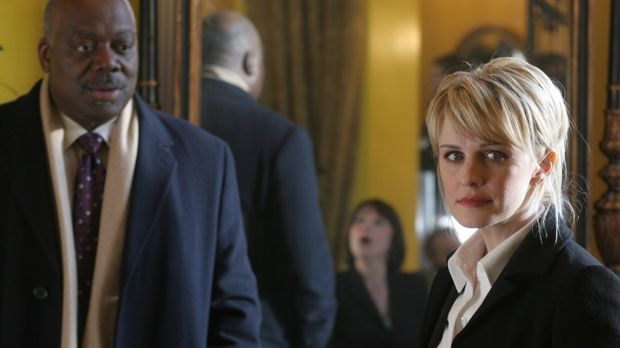 Die Ermittlungen gehen nur schleppend voran: Will (Thom Barry, l.) und Lilly...