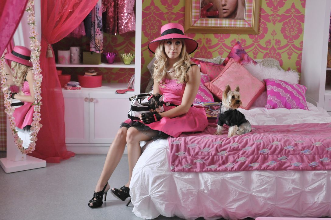 Ohne Pink geht nichts: Sharpay (Ashley Tisdale) ... - Bildquelle: 2010 Disney Enterprises, Inc. All rights reserved.