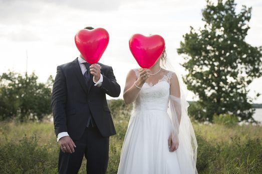 Erst die Hochzeit und dann das Kennenlernen. Wird diese außergewöhnliche Reih...