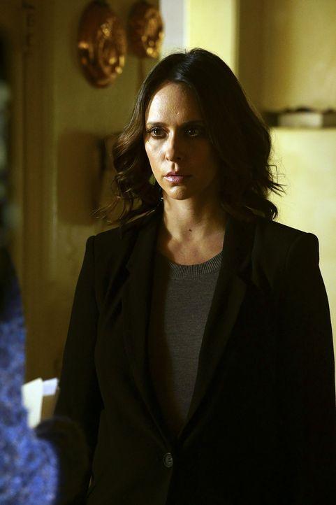 Während Kate (Jennifer Love Hewitt) in einem neuen Fall ermittelt, muss sich JJ ein paar alten Dämonen aus ihrer Zeit, als sie entführt und... - Bildquelle: Richard Cartwright ABC Studios