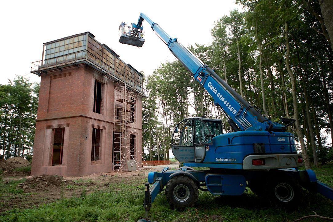 Ein alter Wasserturm aus Backstein in Pannal: Keine Liebe auf den ersten Blick, aber ein Meisterwerk der Ingenieurskunst, aus dem ein neues Zuhause... - Bildquelle: Tiger Aspect Productions Ltd MMMXIV