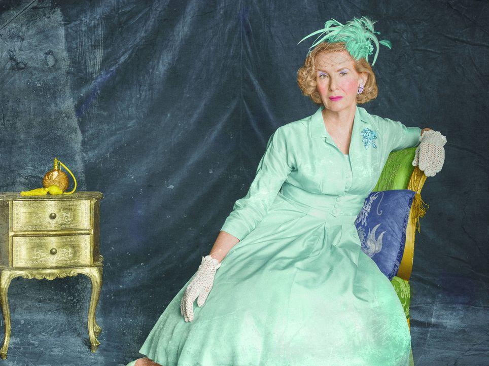(4. Staffel) - Die Aristokratin Gloria Mott (Frances Conroy) legt viel Wert auf ihren Ruf und die Etikette. Darum gefällt es ihr auch überhaupt nich... - Bildquelle: Frank Ockenfels 2014, FX Network. All rights reserved.