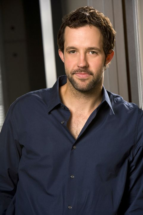 "(1. Staffel) - Der Psychologe im Team: Nate ""Doc"" Getz (Peter Cambor) ... - Bildquelle: CBS Studios Inc. All Rights Reserved."