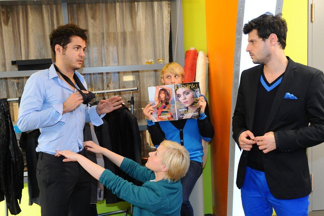 Maik befürchtet, dass er bei Luca weiter an Boden verloren hat. (v.l.n.r.) Maik (Sebastian König), Olivia (Kasia Borek), Virgin (Chris Gebert) und... - Bildquelle: SAT.1