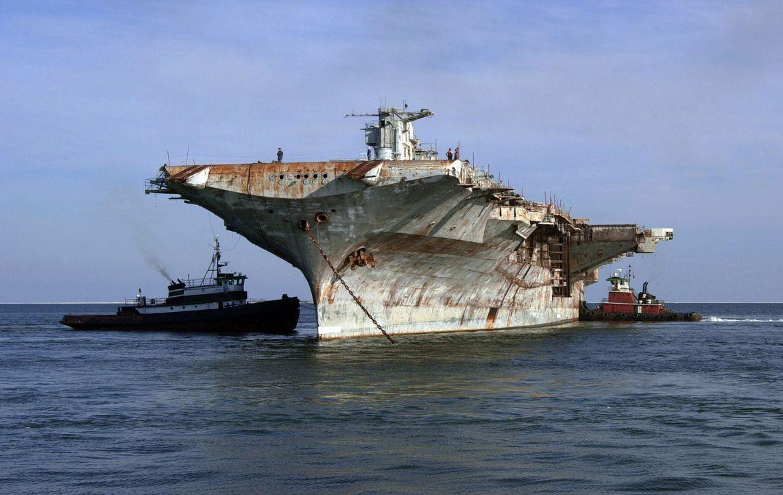 Schiffe gehören zu den ältesten Transportmitteln der Welt. Doch wenn sie nicht mehr von Nutzen sind, werden die Riesen der Ozeane zu einem entsorgun... - Bildquelle: Courtesy of Perpetual Motion Films, Inc