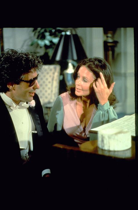 (v.l.n.r.) Alex Benedict (John Cassavetes); Jenifer Welles (Anjanette Comer) - Bildquelle: 1972 Universal City Studios LLLP. All Rights Reserved.