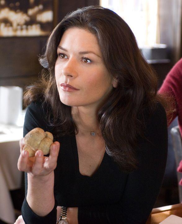 Kate Armstrong (Catherine Zeta-Jones) hat eigentlich nur ein Problem: Sie kann mit Kritik nicht umgehen. Ihre Chefin schickt die ambitionierte Köch... - Bildquelle: Warner Bros.