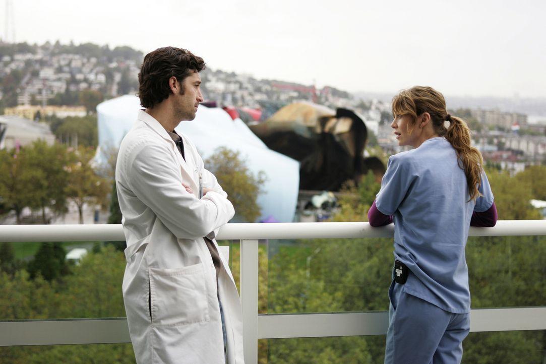 Haben eine letzte Aussprache: Meredith (Ellen Pompeo, r.) und Derek (Patrick Dempsey, l.) ... - Bildquelle: Touchstone Television