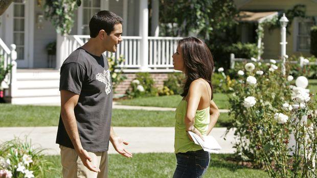 Während Betty und Matthew mit ihrem Mitbewohner Probleme bekommen, wird Gabri...