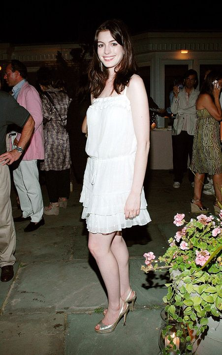 anne-hathaway-07-07-28-getty-afpjpg 1244 x 1990 - Bildquelle: getty-AFP