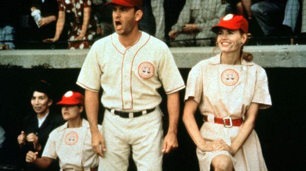 Ex-Baseball-Profi Jimmy Dugan (Tom Hanks, l.) und seine Starspielerin Dottie...
