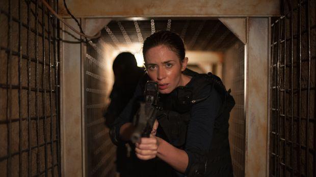Als FBI-Agentin muss Kate (Emily Blunt) knallhart sein, denn im Drogenkrieg a...