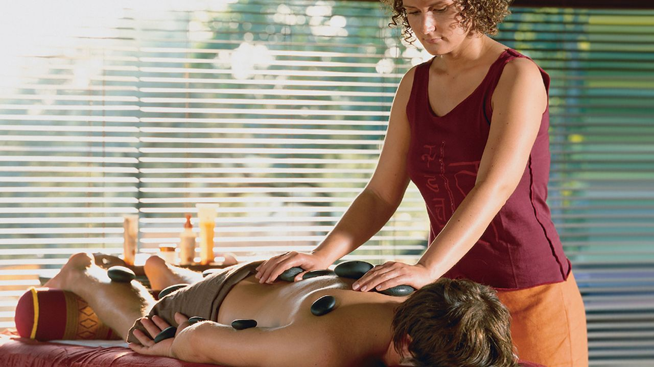 winterspecial-massage-11-02-23-dpa - Bildquelle: dpa