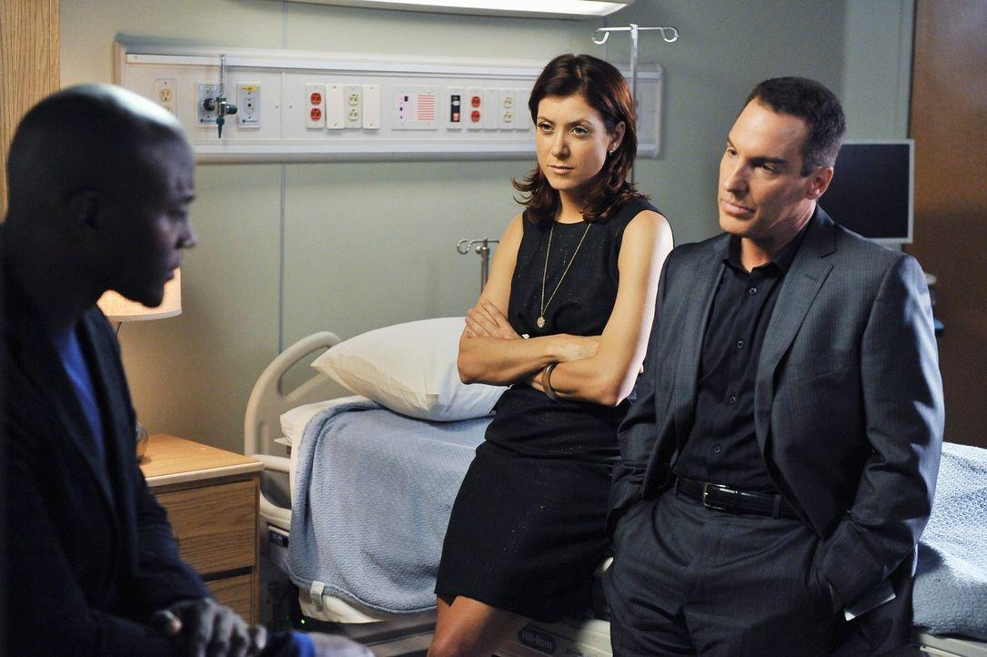 Machen sich Sorgen um die schwangere Kim, die mit ihrem Vater in die Praxis gekommen ist: Sam (Taye Diggs, l.), Addison (Kate Walsh, M.) und Sheldon... - Bildquelle: ABC Studios