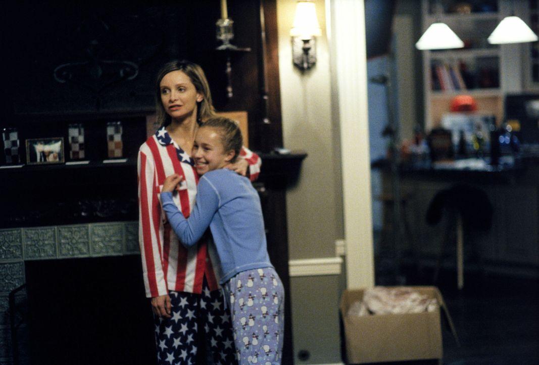 Als eines Abends die zehnjährige Maddie (Hayden Panettiere, r.) vor Allys (Calista Flockhart, l.) Tür steht, ändert sich Allys Leben schlagartig ...... - Bildquelle: 2002 Twentieth Century Fox Film Corporation. All rights reserved.