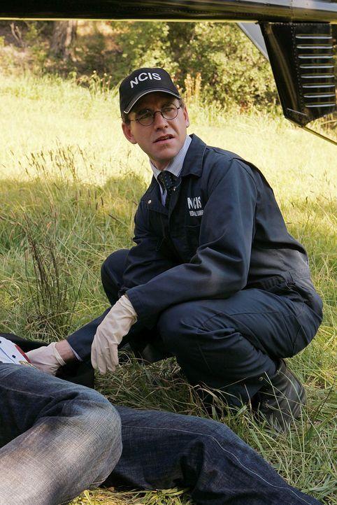 Am Tatort: Jimmy (Brian Dietzen) ... - Bildquelle: CBS Television