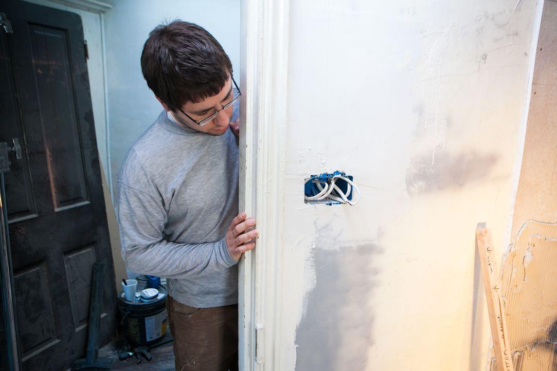 Wird es Matt doch noch gelingen, das renovierungsbedürftige Haus in ein Heim zu verwandeln, das sie gewinnbringend verkaufen können? - Bildquelle: 2013, DIY Network's/Scripps Network's, LLC.
