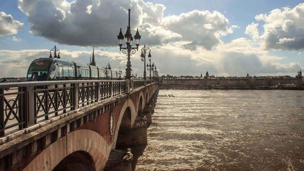 Bordeaux_Frankreich_Bruecke