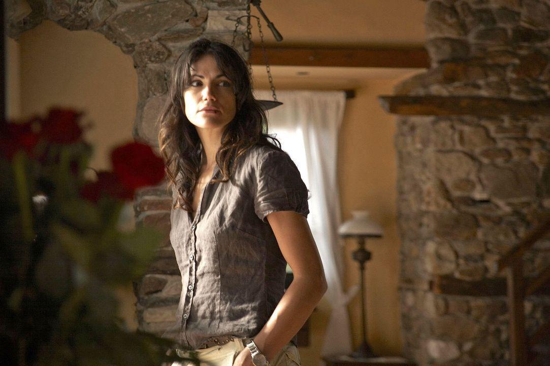 Claudia (Bettina Zimmermann) ahnt allmählich, was Thomas passiert sein könnte. - Bildquelle: Sat.1