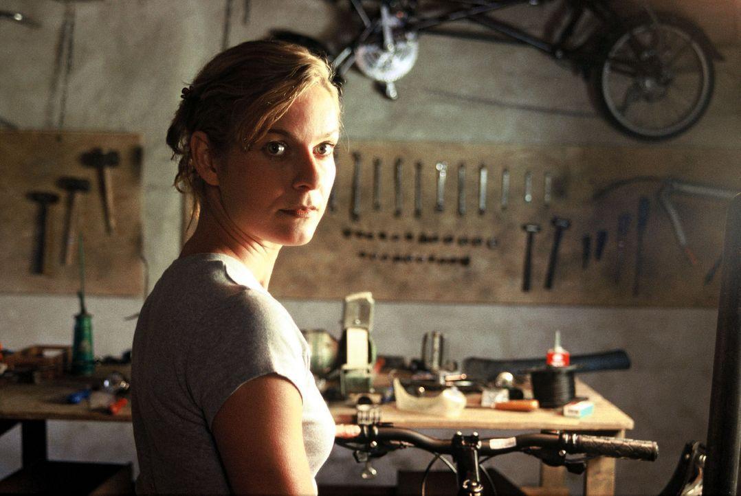 Im Grunde ist Cornelias (Lisa Martinek) Leben vollkommen in Ordnung. Die 32-Jährige hat in den letzten Jahren aus einer kleinen, maroden Fahrradwerk... - Bildquelle: Sat.1
