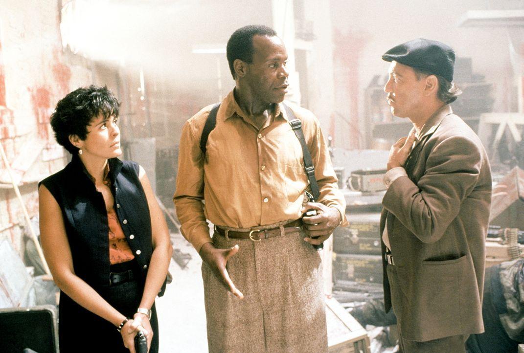 Im Kampf gegen den Drogensumpf: Leona (Maria Conchita Alonso, l.), Detective Harrigan (Danny Glover, M.) und Danny (Ruben Blades, r.) ... - Bildquelle: 1990 Twentieth Century Fox Film Corporation.