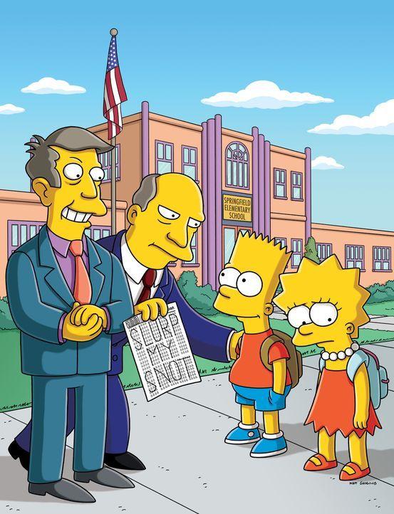 An der Grundschule von Springfield wird der Schultest der Regierung durchgeführt. Lisa ist geschockt als Skinner (l.) und Chalmers (2.v.l.) ihr (r.... - Bildquelle: und TM Twentieth Century Fox Film Corporation - Alle Rechte vorbehalten