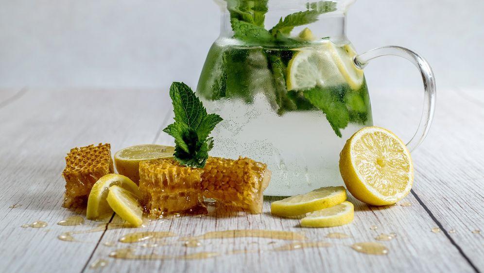 - Bildquelle: https://pixabay.com/de/zitrone-honig-hausgemachte-limonade-3010065/