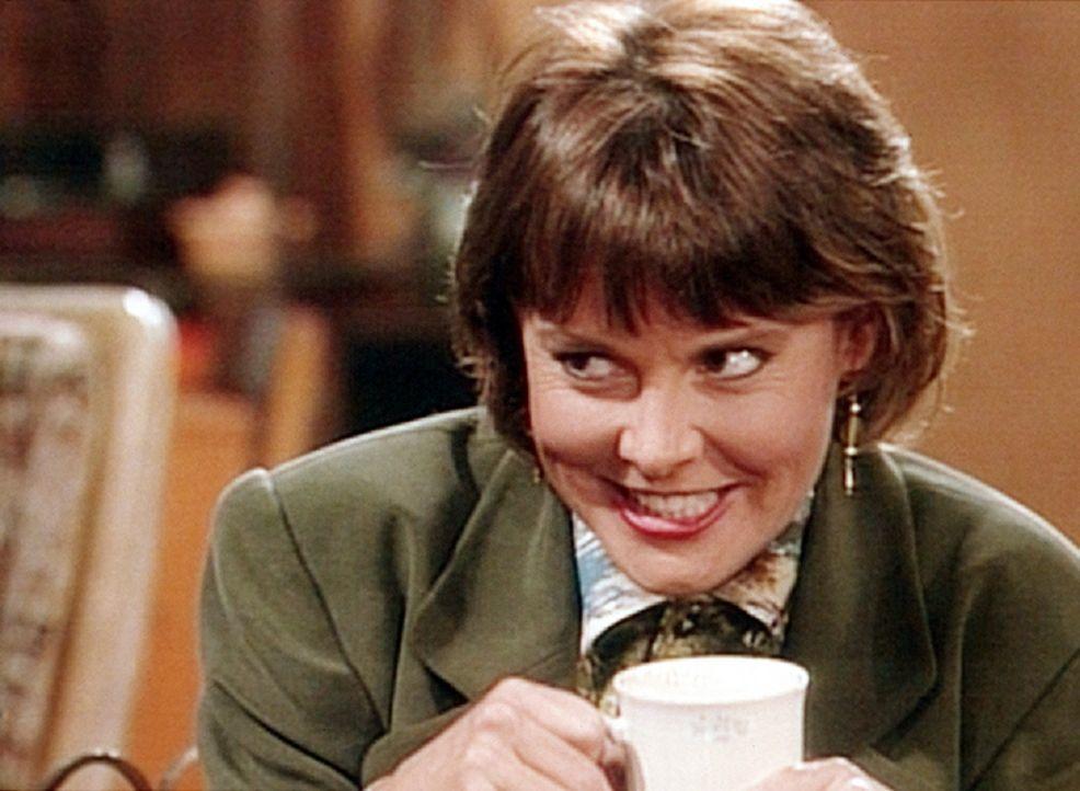 Marcy (Amanda Bearse) soll vor den Aktionären ihrer Bank eine Rede halten. Radio-Psychologin Dr. Angela gibt ihr einen einfachen Rat: Sie soll bei... - Bildquelle: Columbia Pictures