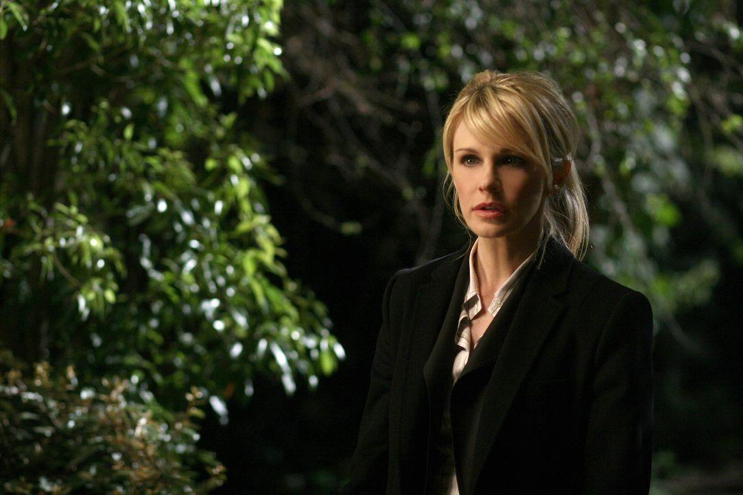 Ein neuer verzwickter Fall wartet auf Lilly (Kathryn Morris) und ihr Team ... - Bildquelle: Warner Bros. Television