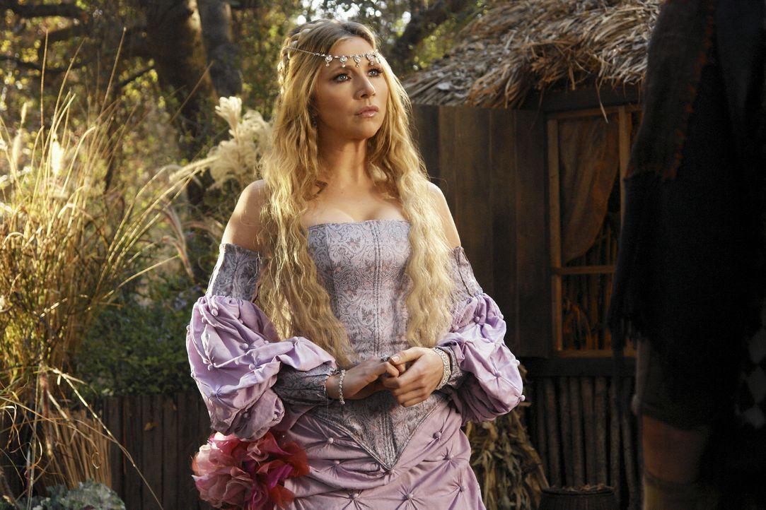 Von den Elfen erhält die Prinzessin (Sarah Chalke) den gesuchten Ring, mit dem sie die Monster besiegen kann ... - Bildquelle: Touchstone Television
