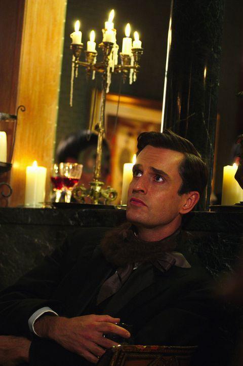 Nach drei Jahren Ehe wird Sally von ihrem Mann Leo (Rupert Everett) verlassen und muss erkennen, dass er auf der Gehaltsliste des KGB steht ... - Bildquelle: Lions Gate Films Inc