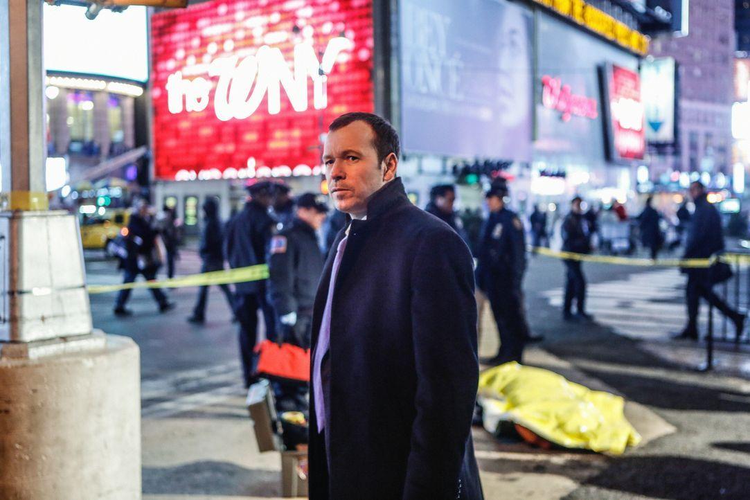 Schaffen es Danny (Donnie Wahlberg) und Maria, den Serienmörder zu finden, der scheinbar unschuldige Menschen in aller Öffentlichkeit erschießt? - Bildquelle: Craig Blankenhorn 2013 CBS Broadcasting Inc. All Rights Reserved.