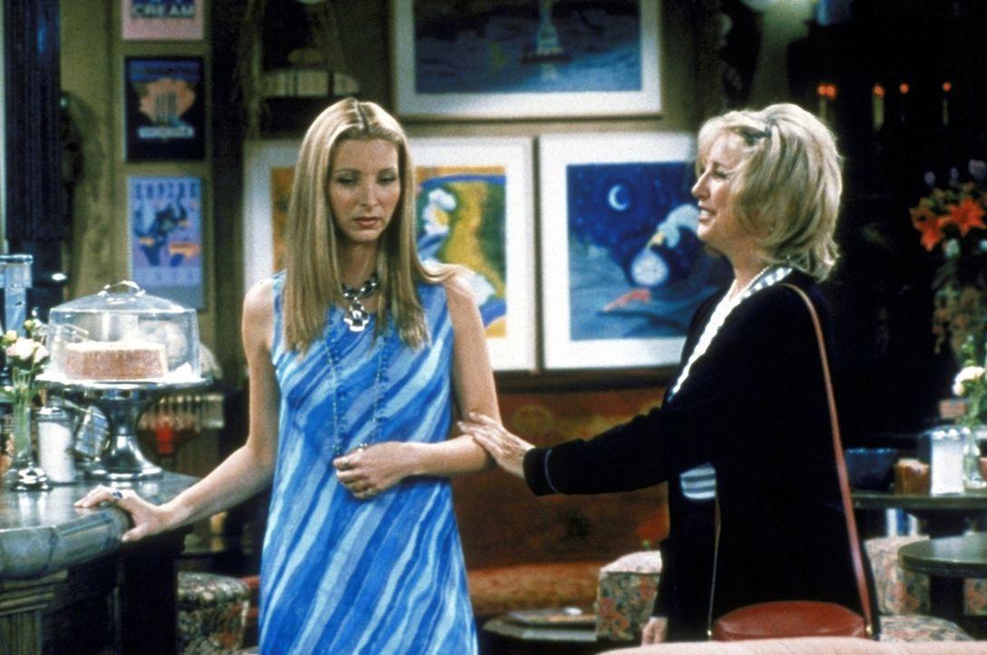 Ein treffen mit ihrer Mutter (Teri Garr, r.) ist für Phoebe (Lisa Kudrow, l.) nicht so angenehm, wie es scheinen mag ... - Bildquelle: TM+  2000 WARNER BROS.
