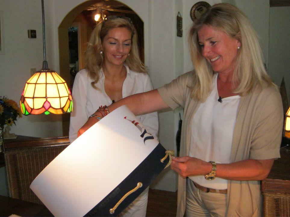 Janinas (r.) großer Traum ist es, einen Laden in Norwegen zu eröffnen und dort ihre selbstentworfenen Lampenschirme und Bilder zu verkaufen ... - Bildquelle: kabel eins
